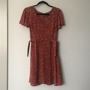 Floral dress with ties. Never been worn